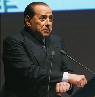 http://rean46.files.wordpress.com/2009/10/berlusconi_manette1.jpg?w=315&h=320